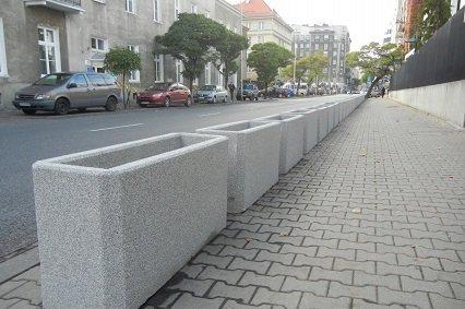 ambasada-stanow-zjednoczonych-warszawa-donice-betonowe--investim0large_0.jpg